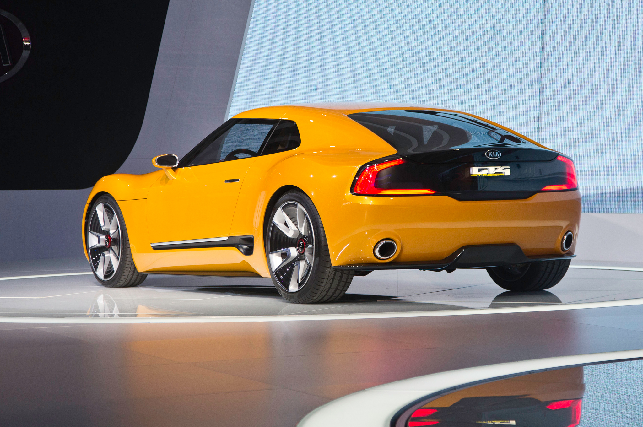 Report: Kia Building a Sports Car Based on GT4 Stinger Concept ...